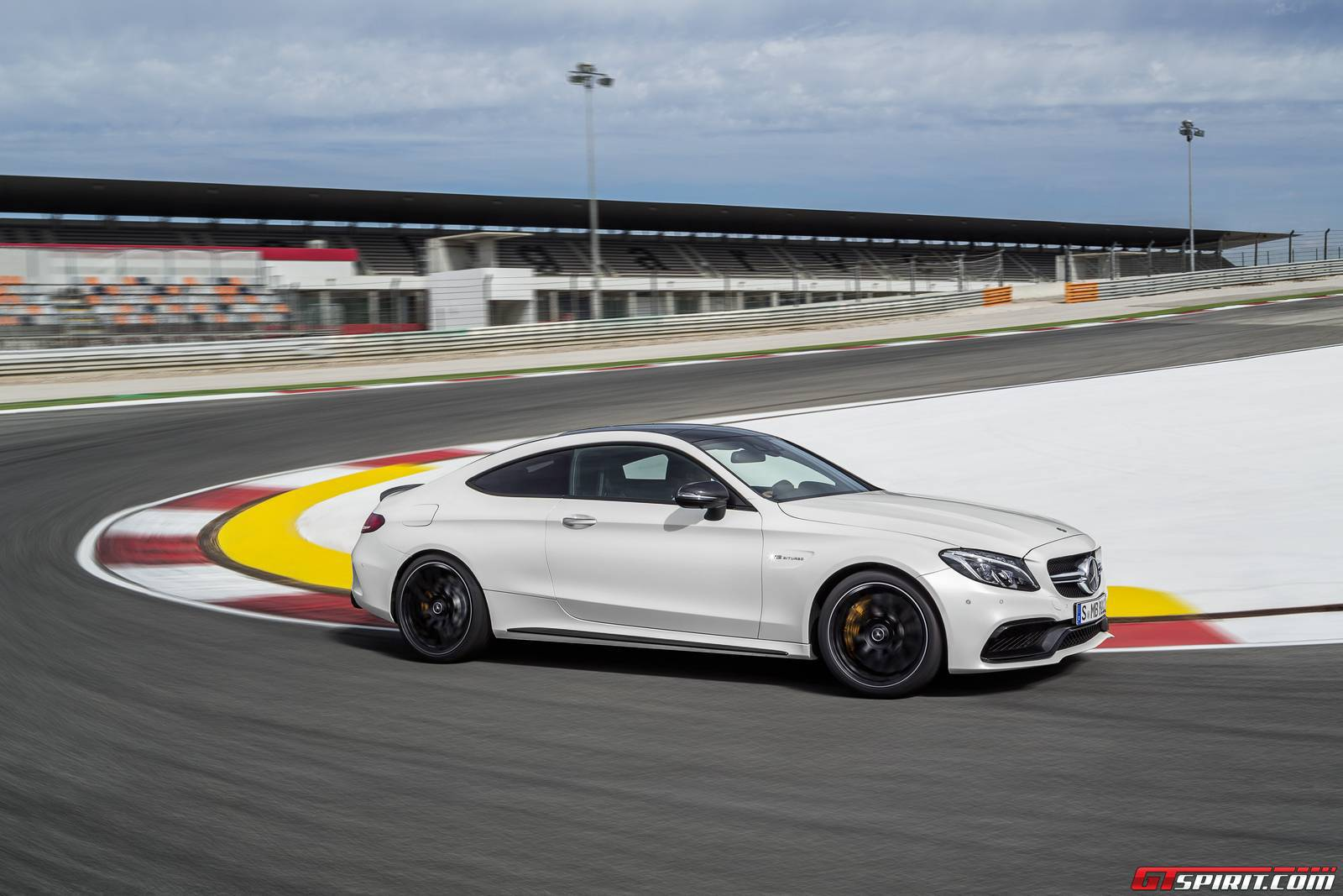 mercedes-amg-c63-coupe-8